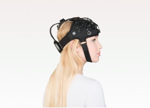 Brite23: Tragbares 23-Kanal NIRS-System für kognitive motorische Experimente.
